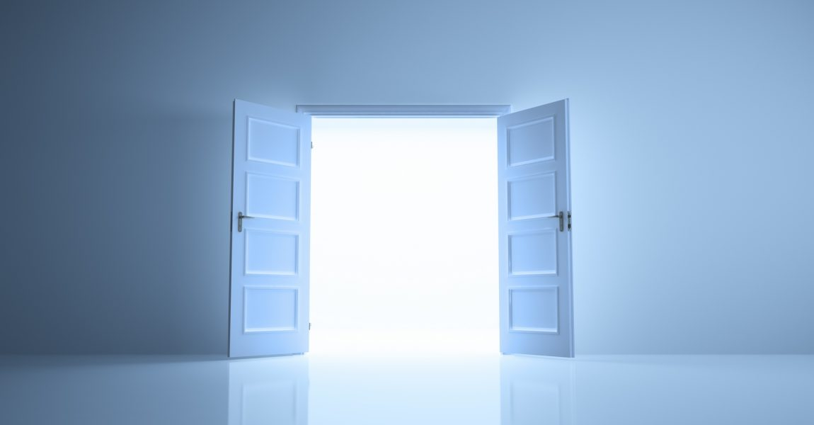 """3 Ways to Know if an """"Open Door"""" is from God"""